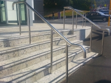 Entrance handrail and stair support